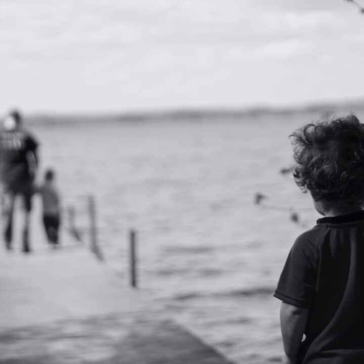 Lastenpsykiatriyhdistys lahjoittaa 20 000 euroa Aivosäätiölle